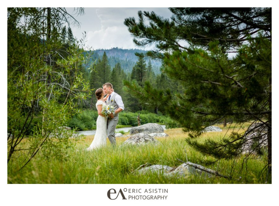 Weddings-on-the-Truckee-River-by-Eric-Asistin-Photography_001