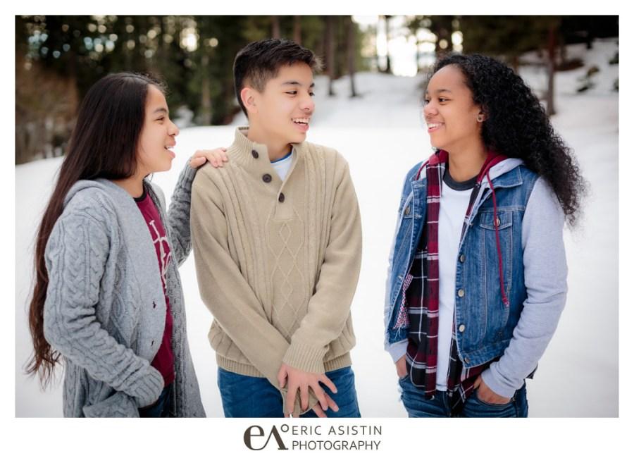 WINTER FAMILY PORTRAIT SESSION NORTH LAKE TAHOE INCLINE VILLAGE SAND HARBOR