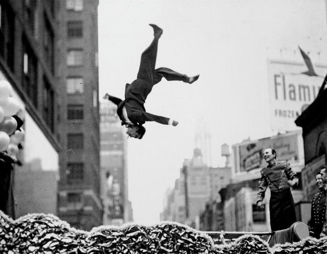 Garry Winogrand Flip
