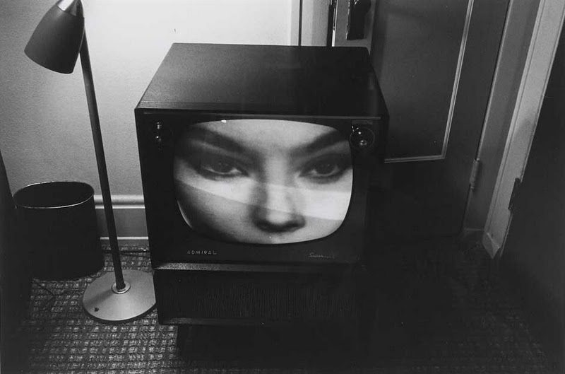 sociological portrait essay Finally, i suggest that visual sociology offers a new means of gathering and   filmic anthropology, contributed photographic essays to some editions of  elizabeth  the swiss photographer robert frank's photographic portrait of an  alienated,.
