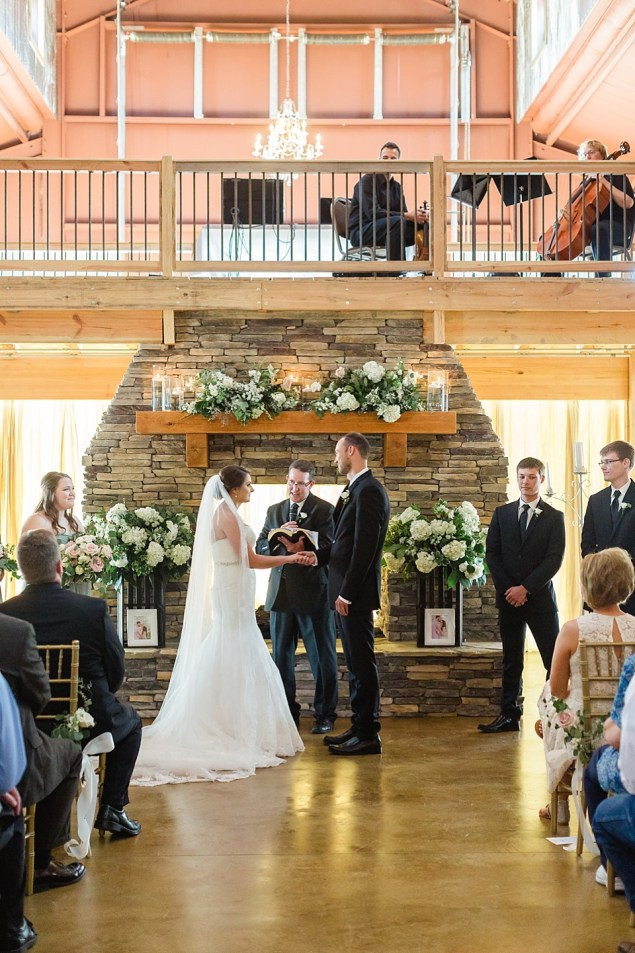 Jaycie and CJ's Wedding at The Barn at Pine Mountain in Quitman Arkansas || by Erika Dotson Photography_0038