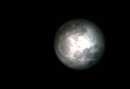The Supermoon with 20mm magnification, good clear picture, you would be surprised it was taken with an iPhone.
