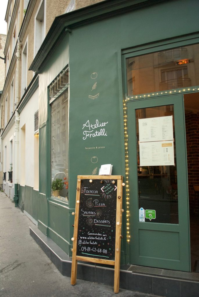 Atelier Fratelli, where the locals get some excellent pizza.