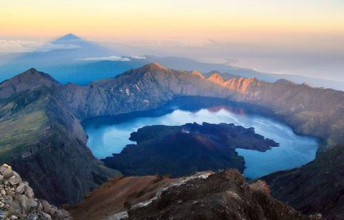 3 Taman Nasional yang Keren untuk Tujuan Wisata di Indonesia