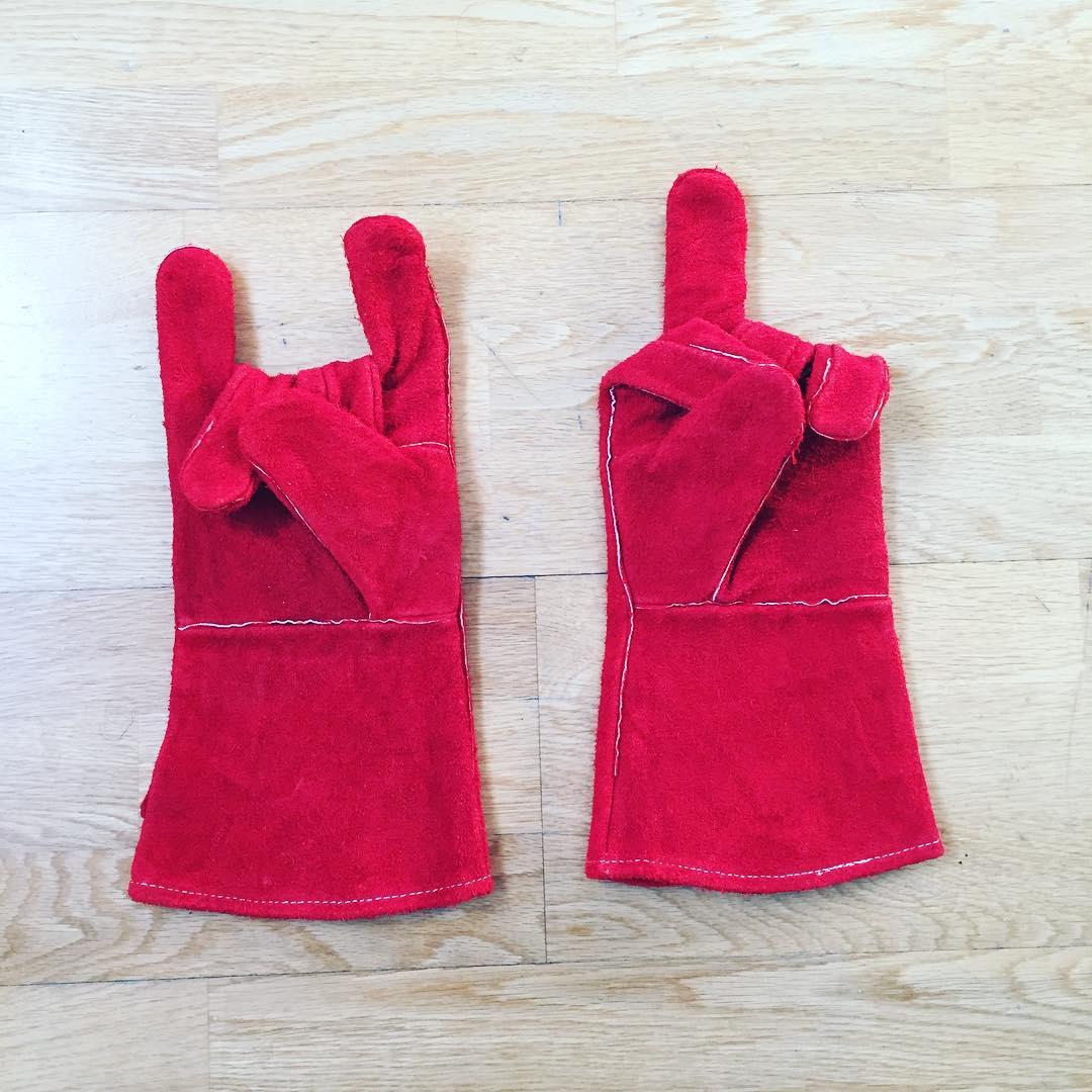 Mis guantes son un poco demasiado expresivos