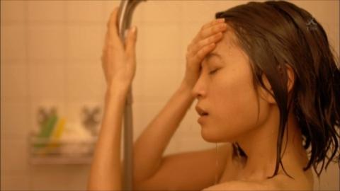 【エロ画像】前田敦子(24)が決意の裸シャワーシーン披露…これが女優志望のなれの果て…