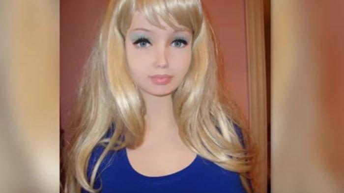 ロシアの10代小娘(16才)がCGにしか見えない。