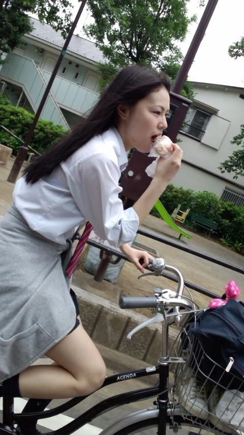 現役10代小娘ってセイフク着てるだけでえろいことしてないのにえろく見えるという不思議wwwwwwwwww(SNS写真あり)