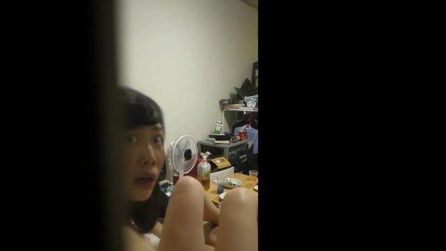 (秘密撮影パニック)リア充女子大学生カップルがカーテンの合間から裸SEX秘密撮影されててメシウマwwwwwwwwww(写真あり)