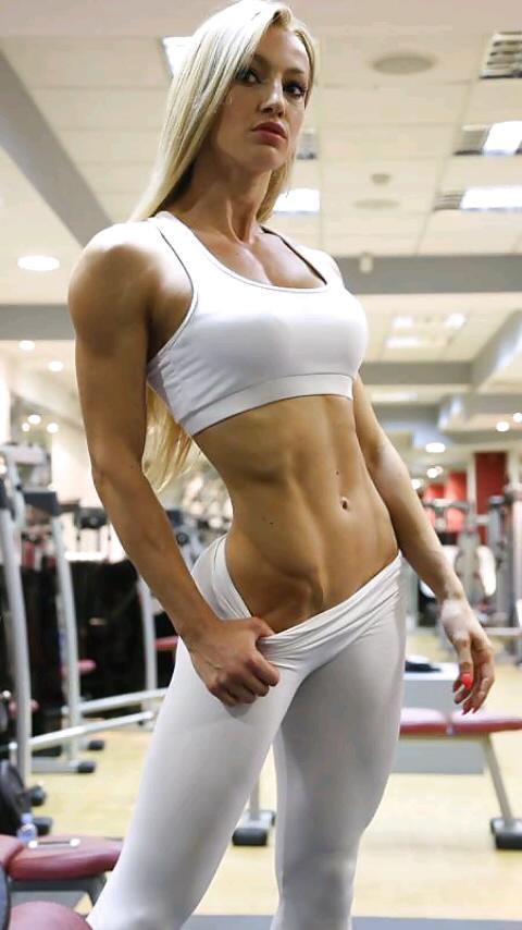 デブよりはいいか?筋肉ムキムキの体ービルダーとか目指してそうな女の身体ってどうなの?wwwwwwwwww(写真あり)