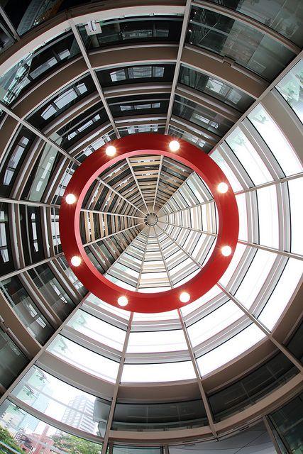 Национальный центр искусства (архитектор — Кисё Курокава), Токио, Япония