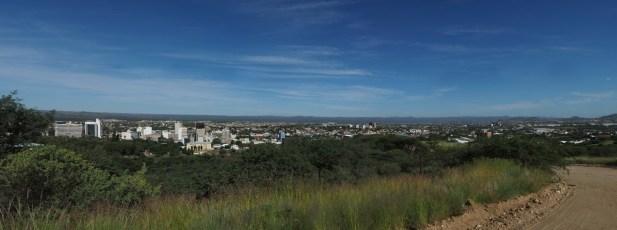 Panorama over Windhoek på dagtid