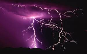 lightning_storm-Nature_Wallpapers_medium