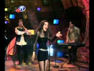 Turkey reached the top 5 for the first time in 1997 with the song 'Dinle'