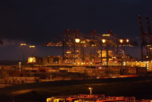 container-port-360682_640