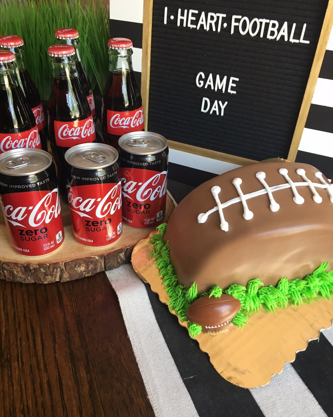 Football Season Is Back - Family Friendly HOME-GATING Ideas. Everything you need to throw a kid-friendly tailgating party at home! TOUCHDOWN!