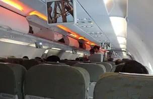 Como é voar Vietnam Airlines, a maior companhia aérea do Vietnã
