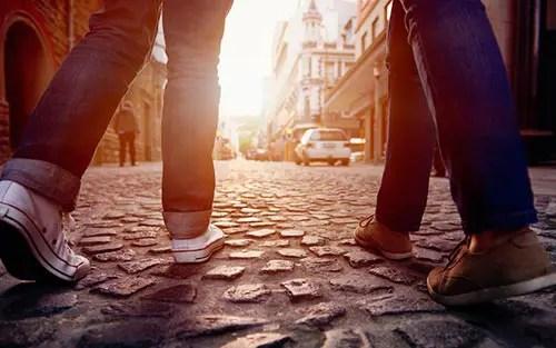Por que é tão importante conhecer pessoas quando viajamos