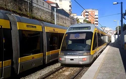 Como ir do aeroporto do Porto ao centro da cidade