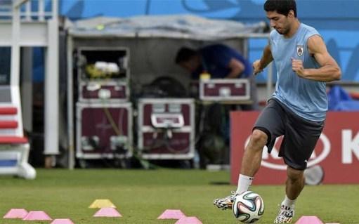 La Desmedida Sanción a Luís Suarez por parte de la FIFA - Página 3 Luis-suarez-durante-entrenamiento-uruguay-1404403523415