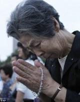 Oración por las víctimas de las bombas atómicas en Hiroshima y Nagasaki (Japón)