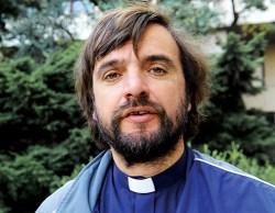 2013  José María Di Paola, sacerdote de los pobres