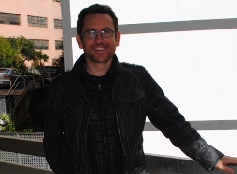 """Javier  Gorosabel,  astrofisikua:  """"Zerura  begiratzia  gustatzen  jata,  baiña  oiñak  lurrian  eukitta"""""""