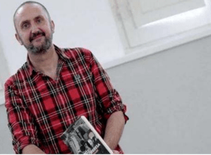 """Juanjo Olasagarreren """"Poz aldrebesa"""" aztertuko dute Harixa Emoten irakurketa taldean gaur"""