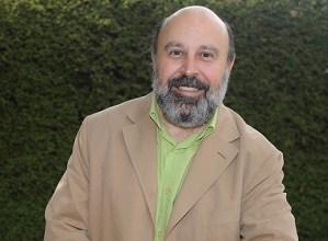 """Juan Sanchez Vallejo, psikiatra: """"Minbizia gainditzen dutenek enpatikoago eta baikorrago heltzen diote bizitzari"""""""