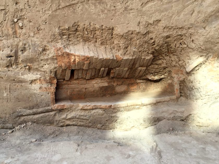 The skeleton was removed and was transferred to a research lab or facility in France. Note the arrangement of the bricks of the walls and the roof. The grave dates back to the neo-Assyrian period, 911-609 BCE.
