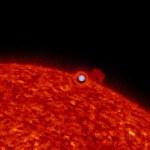 Kepler mostra um trânsito estelar às avessas por lente gravitacional