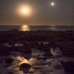 Fernando Rey captura conjunção tripla sobre o Parque Nacional Marítimo Terrestre das Ilhas Atlânticas da Galiza