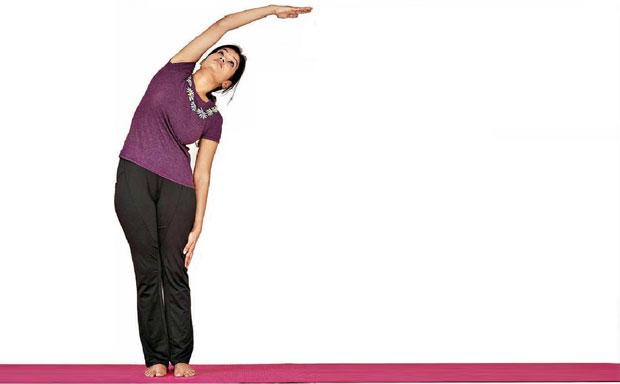 Ardhakati Chakrasana yoga