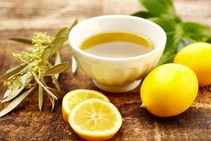 olive-oil-and-lemon-juice