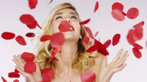 Rose-petals-face-pack