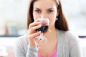wine-drinking-girl
