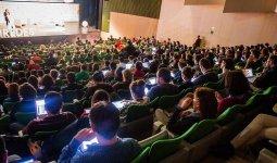 Auditorio donde se realiza la entrega de los Premios iRedes / @iRedesBurgos