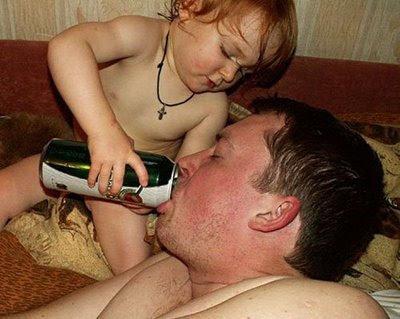 filho-e-pai-bebendo