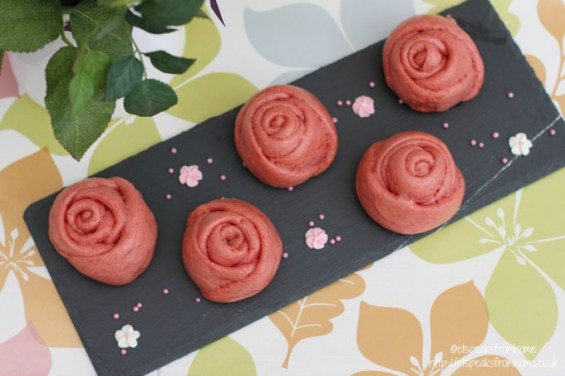 how to make valentine rose bun