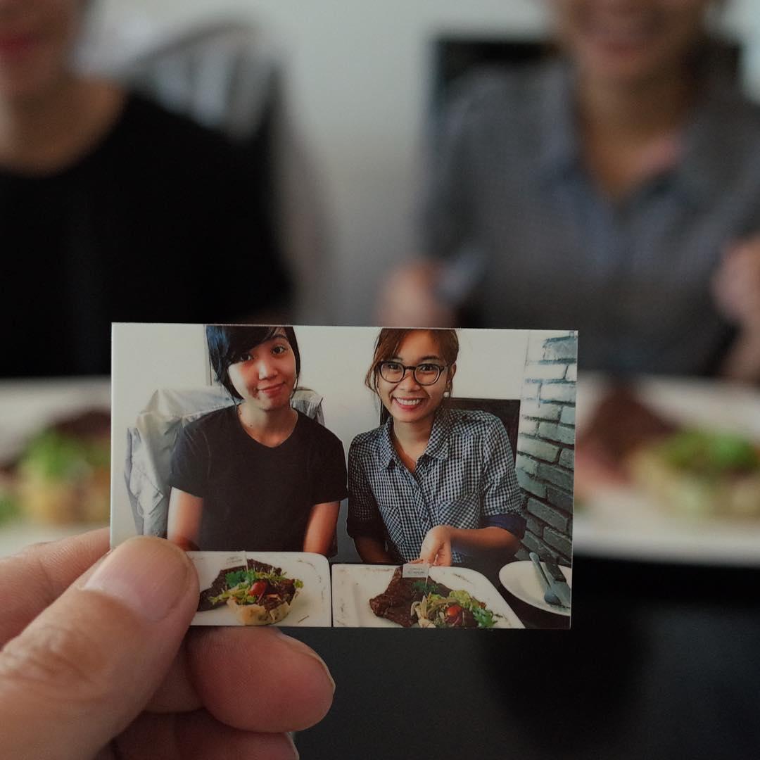パワフルな女性スタッフとパワーランチ。Powerful ladies' power lunch.  #polaroid #pictureinpicture