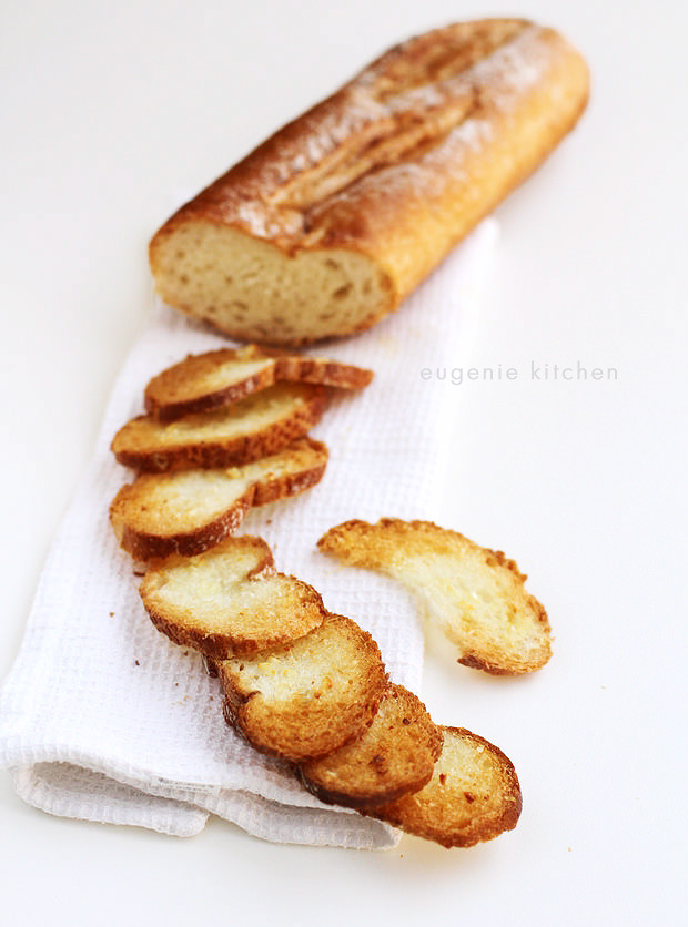 Garlic Cheese Baguette Croutons - Thin Baked Bread for Soups - Eugenie Kitchen