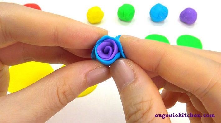 how-to-make-rainbow-rose-eugenie-kitchen08