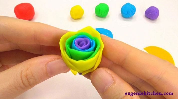 how-to-make-rainbow-rose-eugenie-kitchen10