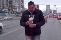 子猫を救出した男性