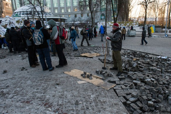 67 Anatomy of Maidan. Virtual tour of the protesters grounds