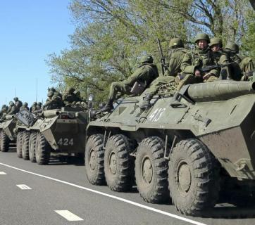 Russian convoy at Ukraine border