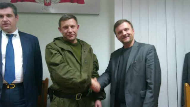 """Zmiana"" leader Mateusz Piskorski with ""DNR"" leader Oleksandr Zacharchenko in November 2014. Photo from www.facebook.com/mateusz.piskorski"