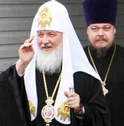 Moscow Patriarch Kirill and Archpriest Vsevolod Chaplin (Image: 3rm.info)
