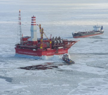 A Gazprom oil production platform in the Arctic. Severe climatic conditions and remoteness drive up the cost of Russian oil. (Image: Gazprom)