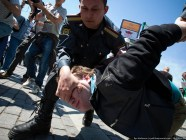 Authorities' crackdown of a gay parade in Moscow, Russia, 2011 (Image: varlamov.ru)